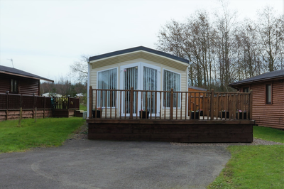 Ollie's Place with hot tub (Felmoor Park)